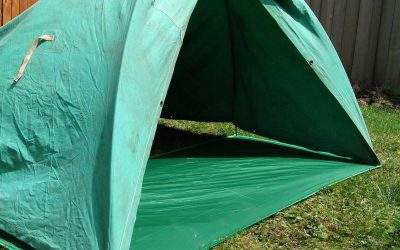How to Build an Indoor/Outdoor Kids' Fort With Tent Poles